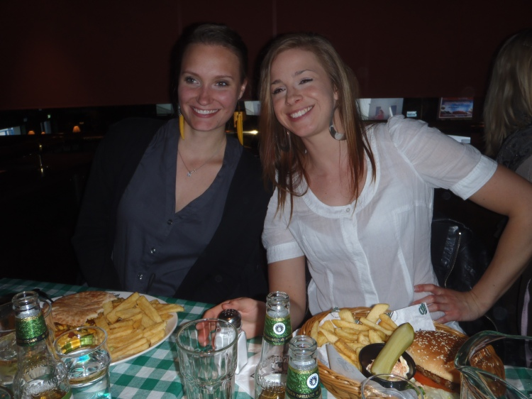 Nicole och Linn!
